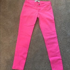 Hollister jeans sz 7 never worn hot pink